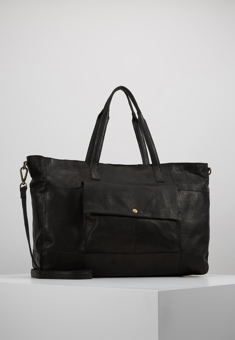 Pieces - PCASTA WEEKEND BAG - Weekender - black
