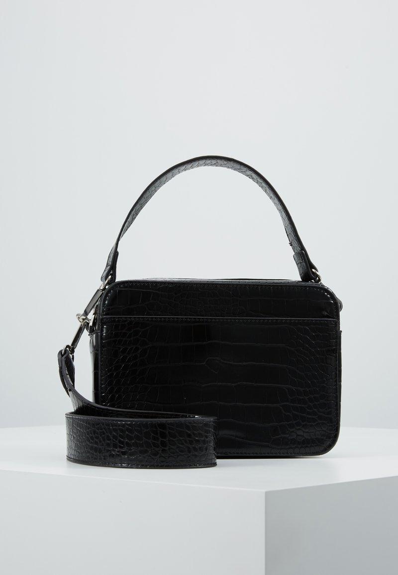 Pieces - PCFILUCA CROSS BODY - Handbag - black