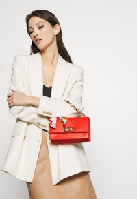 Pieces - PCSCARLET CROSS BODY - Handbag - high risk red - 1