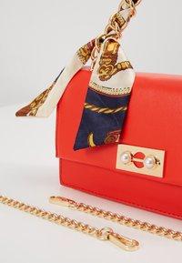 Pieces - PCSCARLET CROSS BODY - Handbag - high risk red - 6