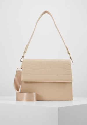 CHRIS CROSS BODY - Håndveske - beige/gold