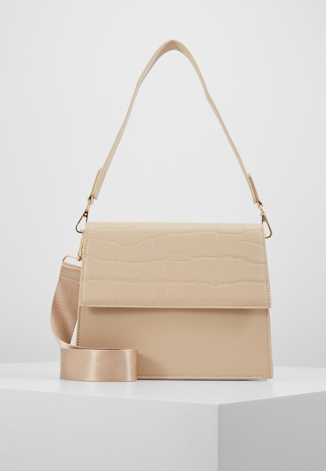 CHRIS CROSS BODY - Kabelka - beige/gold