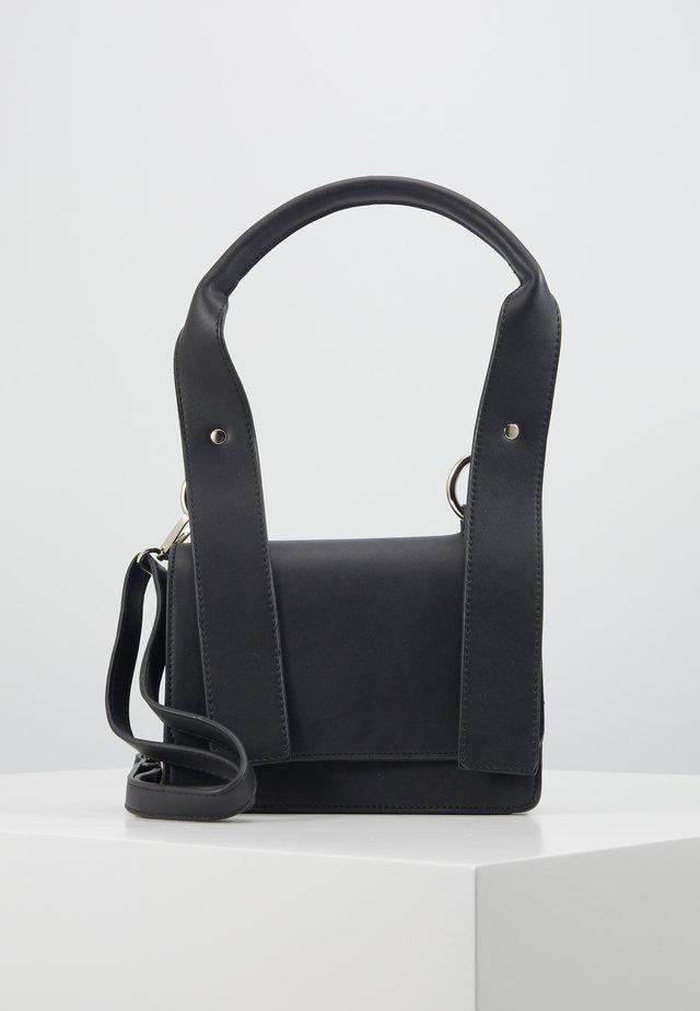 PCMACY CROSS BODY - Across body bag - black