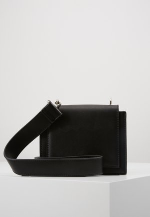 PCMONANA CROSS BODY - Olkalaukku - black/silver