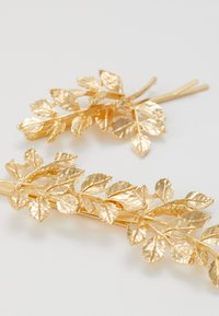 Pieces - PCOLIVE HAIR PIN 2 PACK - Hair styling accessory - gold-coloured - 2
