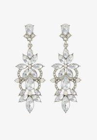 Pieces - PCFLO EARRINGS - Earrings - silver-coloured - 1