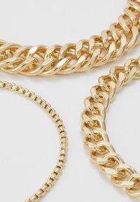 Pieces - PCCHAIN BRACELET 3 PACK - Bracciale - gold-coloured - 2