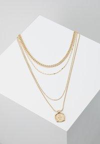 Pieces - PCMEDAL COMBI NECKLACE  - Necklace - gold-coloured - 0
