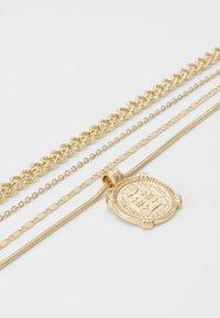 Pieces - PCMEDAL COMBI NECKLACE  - Necklace - gold-coloured - 2