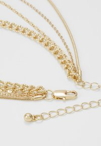 Pieces - PCMEDAL COMBI NECKLACE  - Necklace - gold-coloured - 3