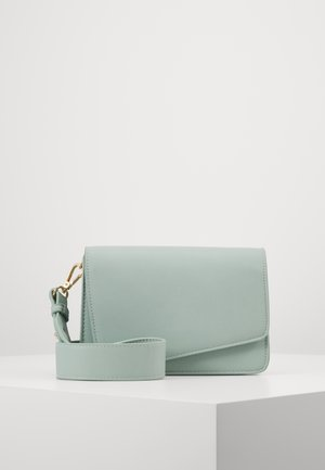 PCDILISH CROSS BODY KEY - Olkalaukku - green ash