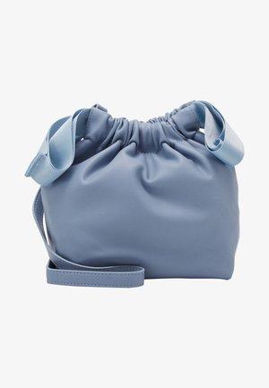 PCBEAU CROSS BODY - Skulderveske - kentucky blue