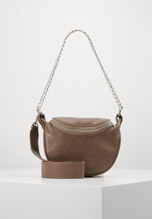 PCREV CROSS BODY - Handbag - taupe gray/silver