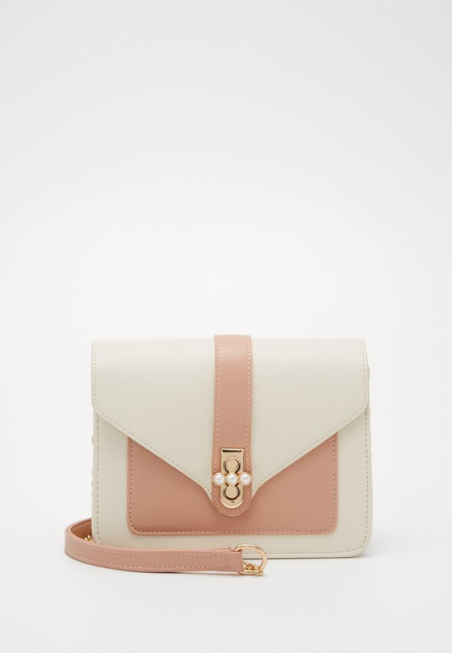 PCLUCY  CROSS BODY - Across body bag - crystal rose/gold