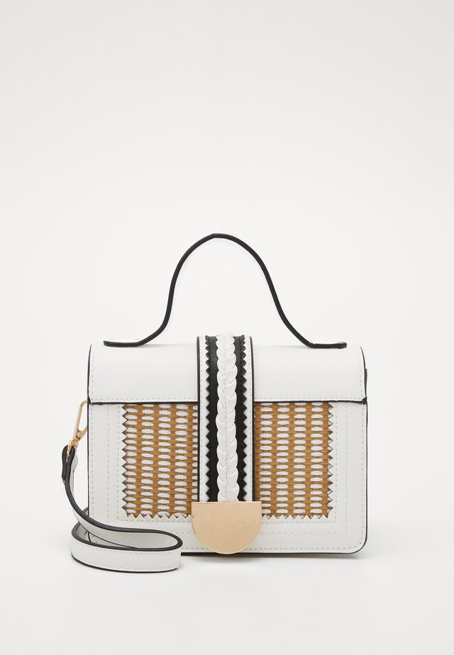 PCNEEMI CROSS BODY - Kabelka - bright white