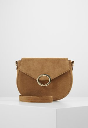 PCAMI CROSS BODY - Across body bag - toasted coconut