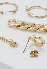 Pieces - PCOKLA EARRINGS 2 PACK - Øreringe - gold-coloured - 4
