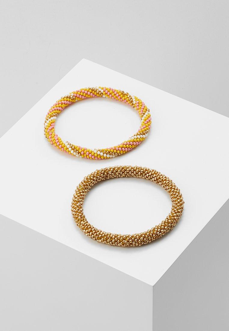 Pieces - PCSACHA BRACELET SET - Bracelet - lemon chrome