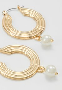 Pieces - PCCARA HOOP EARRINGS - Oorbellen - gold-coloured - 4