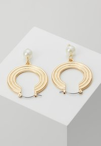 Pieces - PCCARA HOOP EARRINGS - Oorbellen - gold-coloured