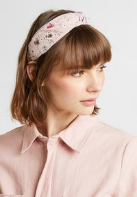 Pieces - PCSALLY HAIRBAND - Hair styling accessory - pastel rose/tan - 1