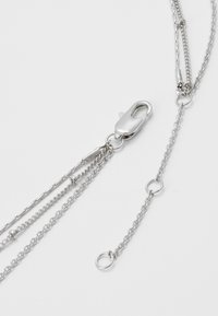 Pieces - PCEIDA COMBI NECKLACE KEY - Necklace - silver-coloured - 2