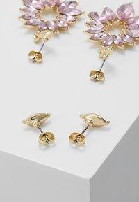 Pieces - Oorbellen - gold-coloured - 2