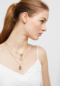 Pieces - Halskette - gold-coloured - 1