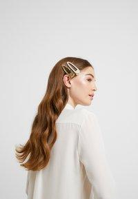 Pieces - Akcesoria do stylizacji włosów - gold-coloured - 1