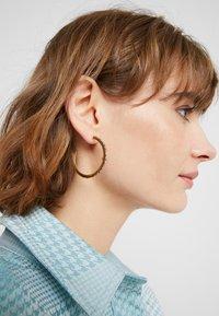 Pieces - Boucles d'oreilles - gold-coloured - 1