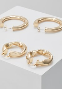 Pieces - Oorbellen - gold-coloured