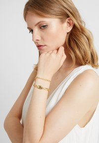 Pieces - Armband - gold-coloured - 1