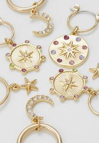 Pieces - Örhänge - gold-coloured/multi - 4