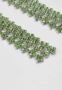 Pieces - PCDICTE EARRINGS - Náušnice - silver-coloured/green ash - 4