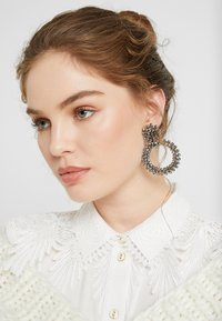 Pieces - PCOLIVIA EARRINGS - Orecchini - silver coloured - 1