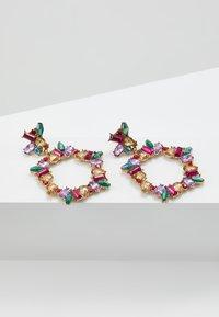 Pieces - PCKAMILLE EARRINGS - Örhänge - emerald - 3