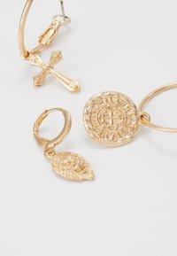 Pieces - PCJOLENE HOOP EARRINGS 3 PACK - Øredobber - gold-coloured - 4