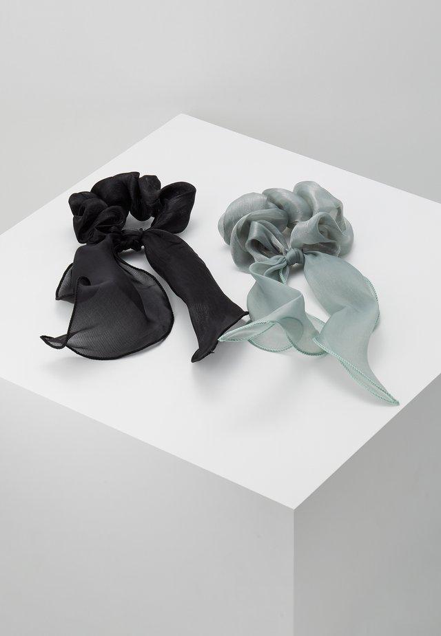 PCJISA BOW SCRUNCHIE 2 PACK  - Hair styling accessory - black/feldspar