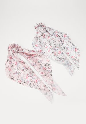 PCBLOSSOM BOW SCRUNCHIE 2 PACK - Hair styling accessory - bright white/rose