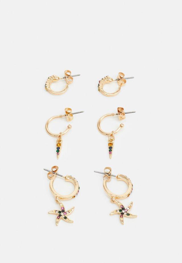 PCBEACHO HOOP EARRINGS 3 PACK - Øredobber - gold-coloured/multi