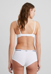 Pieces - LOGO LADY SOLID 4 PACK - Panty - bright white - 2