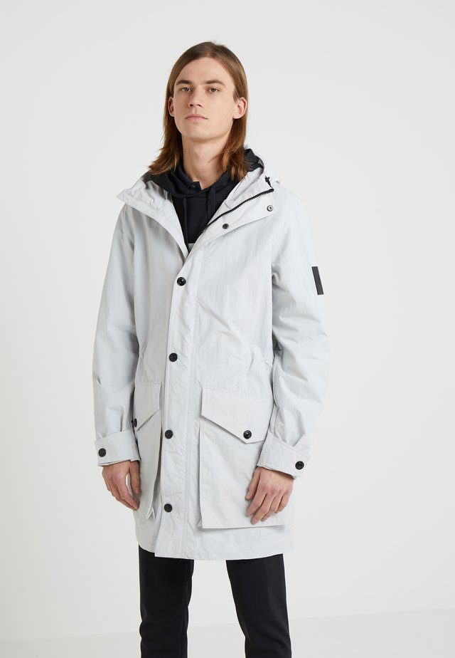 TYPHON - Parkaer - antarctica
