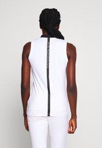 Peak Performance - TURF ZIP - Polo shirt - white - 2