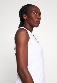Peak Performance - TURF ZIP - Polo shirt - white - 3