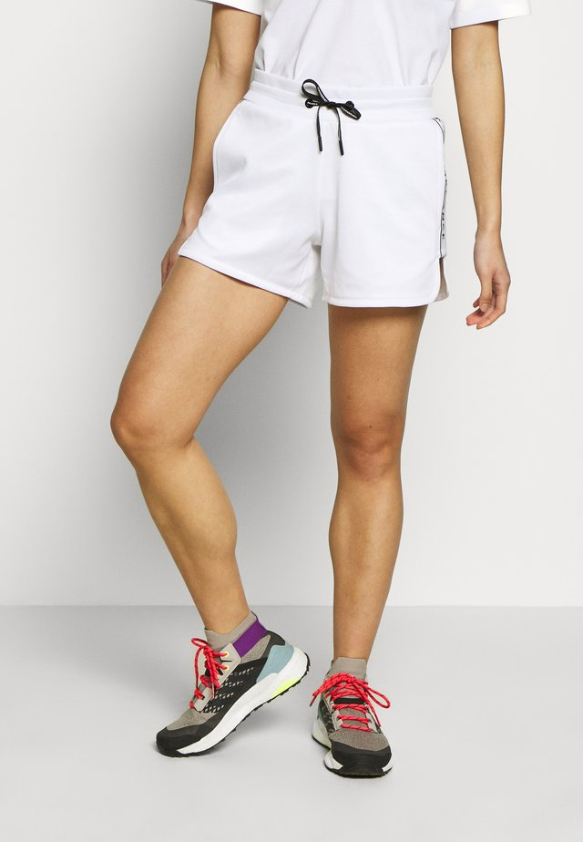 TECH CLUB SHORTS - Sports shorts - white