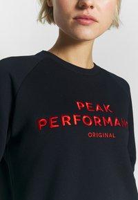 Peak Performance - Sweatshirt - salute blue - 4