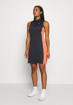 SLATE SET - Sports dress - clay red