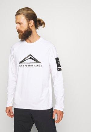 2.0 TECH  - Camiseta de manga larga - white