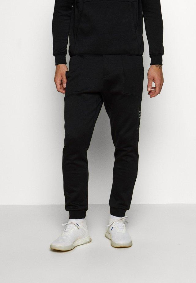 TECH PANT - Spodnie materiałowe - black