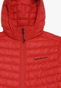 Peak Performance - Down jacket - dynared